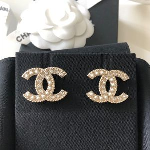 Chanel Classic Cc Crystal Pearl Big Size Earrings